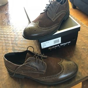 Robert Wayne Men's Kaden wingtips